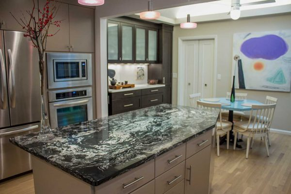 White Quartz Perimeter With Arabian Nights Island